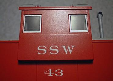 古いアトラス社製品より改造したSSWのワイドビジョン・カブースは、切り抜いて填め込んだ突き合わせ箇所にスジが現れた