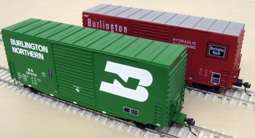 Hi-Tech Details' Mini PS-1 Hy-Cube boxcars