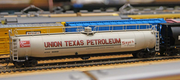 Union Texas Petroleum 33k Tank car